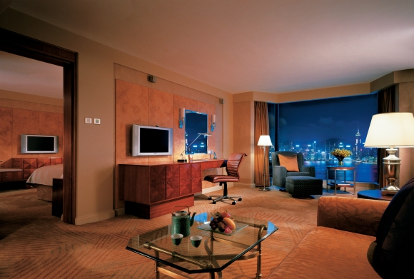 premier-harbour-view-suite